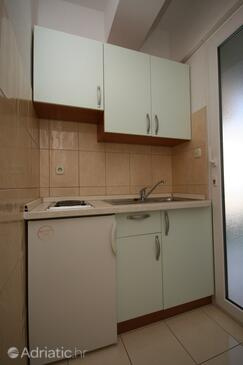 Baška Voda, Кухня в размещении типа studio-apartment, WiFi.