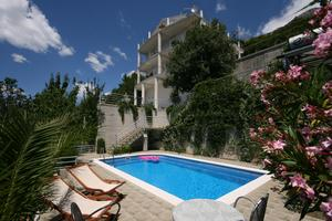 Apartments and rooms with a swimming pool Brela (Makarska) - 6828