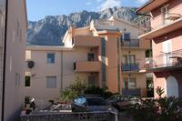 Apartments and rooms with parking space Makarska - 6834