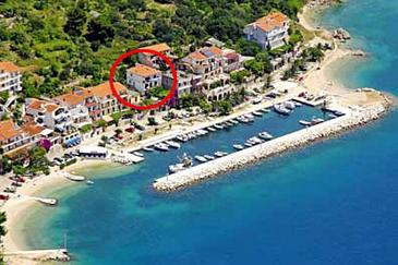 Podgora, Makarska, Property 6836 - Apartments near sea with pebble beach.