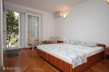 Makarska, Ložnice v ubytování typu room, s klimatizací a WiFi.