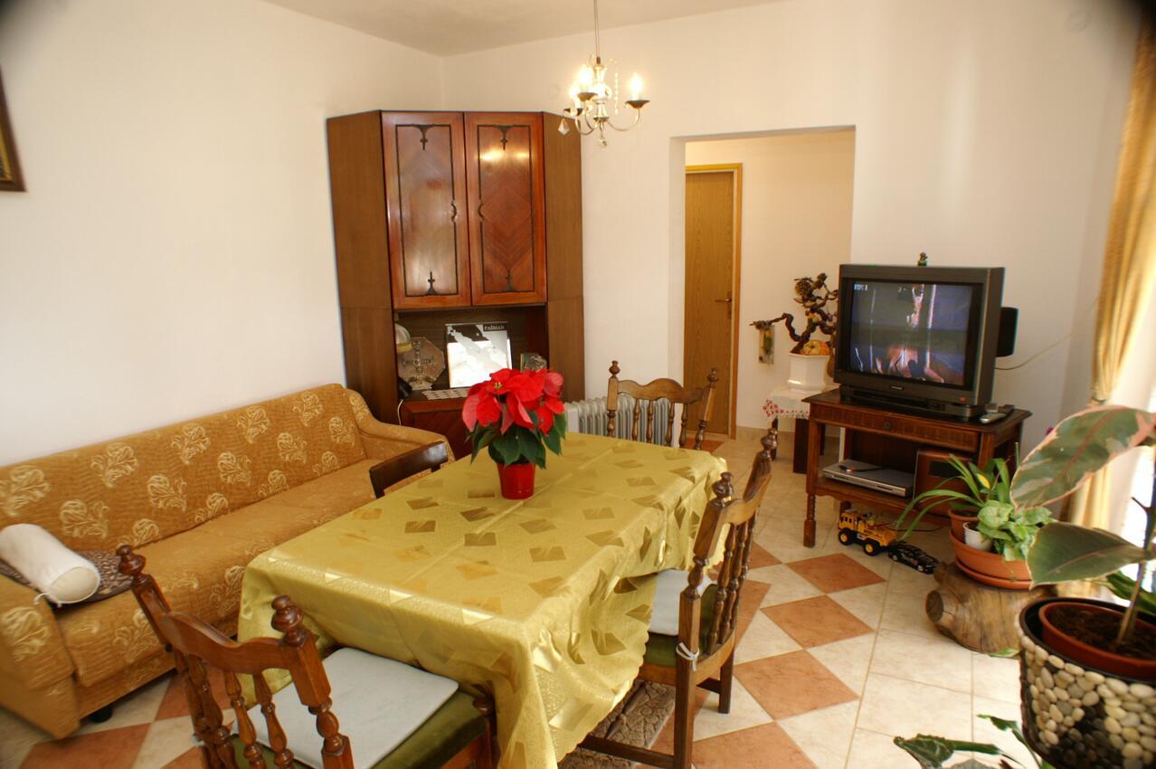 Ferienwohnung im Ort Neviane (Paaman), Kapazität 4+1 (1013429), Nevidane, Insel Pasman, Dalmatien, Kroatien, Bild 2