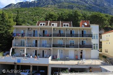 Baška Voda, Makarska, Property 6845 - Apartments with pebble beach.