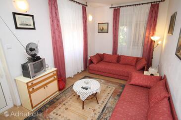 Podgora, Living room in the apartment, dopusteni kucni ljubimci i WIFI.