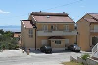Apartments with a parking space Makarska - 6850