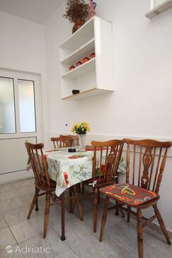 Baška Voda, Столовая в размещении типа apartment, WiFi.