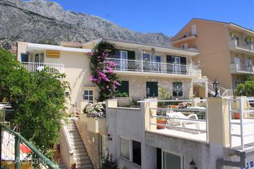 Tučepi, Makarska, Property 6856 - Apartments with pebble beach.