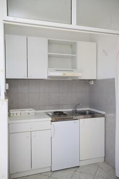 Tučepi, Kuchyňa v ubytovacej jednotke studio-apartment, WIFI.