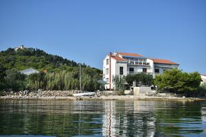 Apartments by the sea Tkon (Pašman) - 686