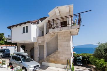 Brist, Makarska, Объект 6867 - Апартаменты вблизи моря с галечным пляжем.