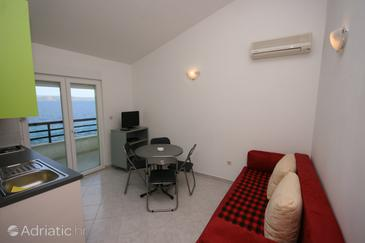 Živogošće - Porat, Living room in the apartment, dostupna klima, dopusteni kucni ljubimci i WIFI.