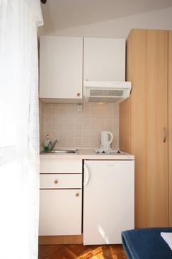Živogošće - Porat, Kitchen in the studio-apartment, WIFI.