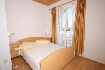 Brela, Bedroom in the room, air condition available and WiFi.