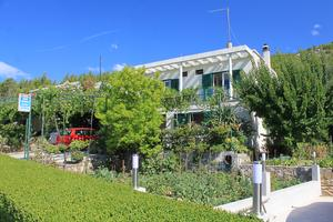 Apartments and rooms with parking space Tucepi, Makarska - 6901