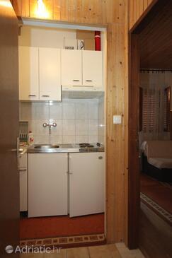 Brela, Kitchen in the studio-apartment, WIFI.