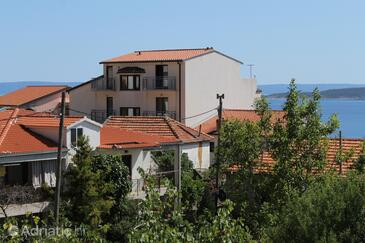 Brela, Makarska, Property 6908 - Apartments with pebble beach.