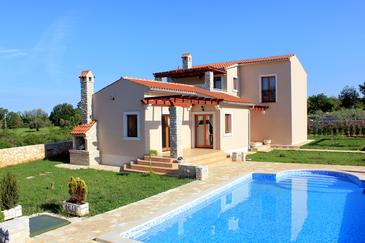 Valtura, Pula, Property 6913 - Vacation Rentals with pebble beach.
