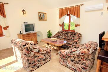 Valtura, Obývací pokoj v ubytování typu house, dostupna klima i WIFI.