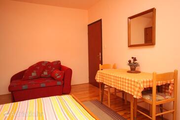 Poreč, Dining room in the studio-apartment, dopusteni kucni ljubimci i WIFI.