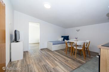 Ražanac, Jídelna v ubytování typu apartment, s klimatizací a WiFi.