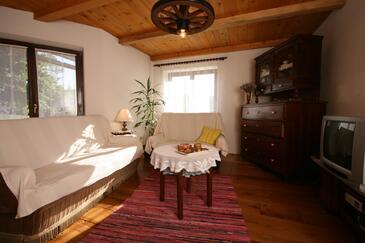 Breze, Obývací pokoj v ubytování typu house, dopusteni kucni ljubimci i WIFI.