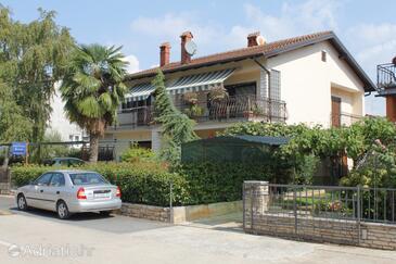 Novigrad, Novigrad, Property 6925 - Apartments with pebble beach.