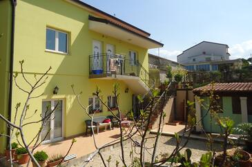 Funtana, Poreč, Property 6927 - Apartments near sea with pebble beach.