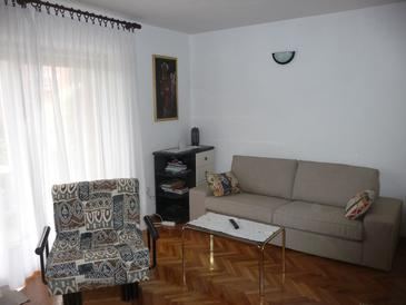 Umag, Woonkamer in the apartment, air condition available, (pet friendly) en WiFi.