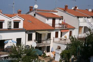 Vrsar, Poreč, Property 6939 - Apartments with pebble beach.