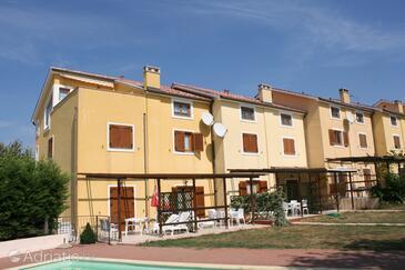 Vabriga, Poreč, Property 6942 - Apartments with pebble beach.