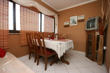 Vrsar, Dining room in the apartment, WIFI.
