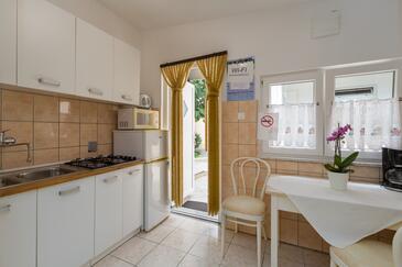 Tar, Jídelna v ubytování typu apartment, domácí mazlíčci povoleni a WiFi.