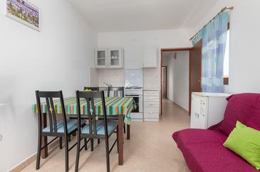 Fažana, Столовая в размещении типа apartment, dostupna klima i WIFI.
