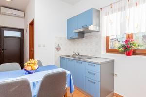 Apartments by the sea Fažana - 6957