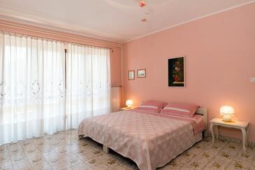 Umag, Salon dans l'hébergement en type apartment, animaux acceptés et WiFi.