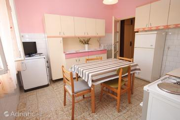 Umag, Dining room in the apartment, dopusteni kucni ljubimci.