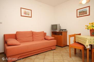 Finida, Living room in the apartment, dopusteni kucni ljubimci i WIFI.