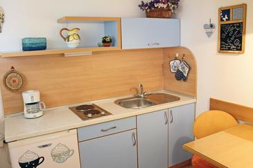 Šibenik, Kitchen in the studio-apartment, WIFI.