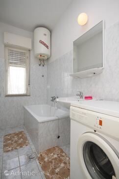 Bathroom    - A-6978-a