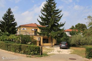 Umag, Umag, Property 6978 - Apartments with sandy beach.