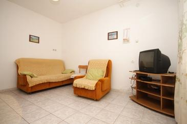 Novigrad, Obývací pokoj v ubytování typu apartment, domácí mazlíčci povoleni a WiFi.