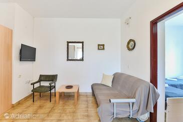 Tkon, Dnevni boravak u smještaju tipa apartment, dostupna klima, kućni ljubimci dozvoljeni i WiFi.