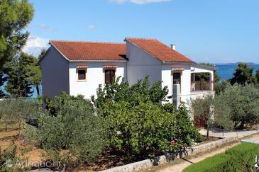 Tkon, Pašman, Property 698 - Apartments by the sea.
