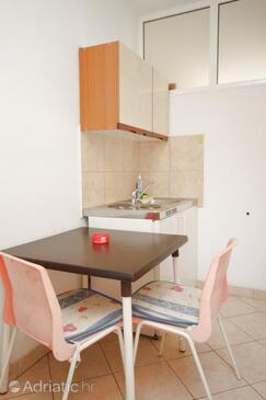 Vabriga, Kitchen in the studio-apartment, dopusteni kucni ljubimci i WIFI.