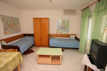 Pula, Obývací pokoj v ubytování typu apartment, s klimatizací a WiFi.