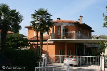 Umag, Umag, Property 6999 - Apartments with sandy beach.