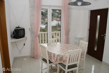 Postira, Столовая в размещении типа apartment, доступный кондиционер, Домашние животные допускаются и WiFi.