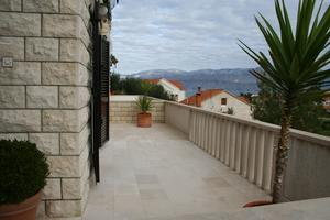 Apartments with a parking space Postira (Brac) - 700