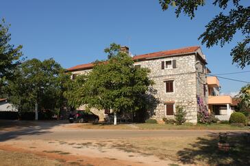 Barići, Umag, Property 7003 - Apartments with rocky beach.