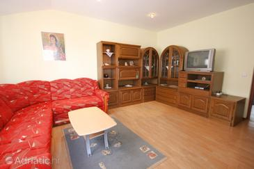 Cancini, Living room in the apartment, dopusteni kucni ljubimci.